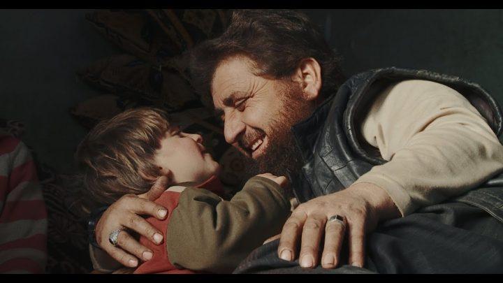 O otcoch a synoch recenzia: Tragický kolobeh radikalizmu jednej rodiny