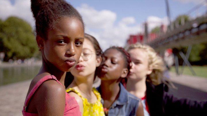 Cuties recenzia: Kontroverzný film je zásadne nepochopený