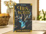Tieň kostí recenzia: Fantasy román pre dievčatá aj chlapcov