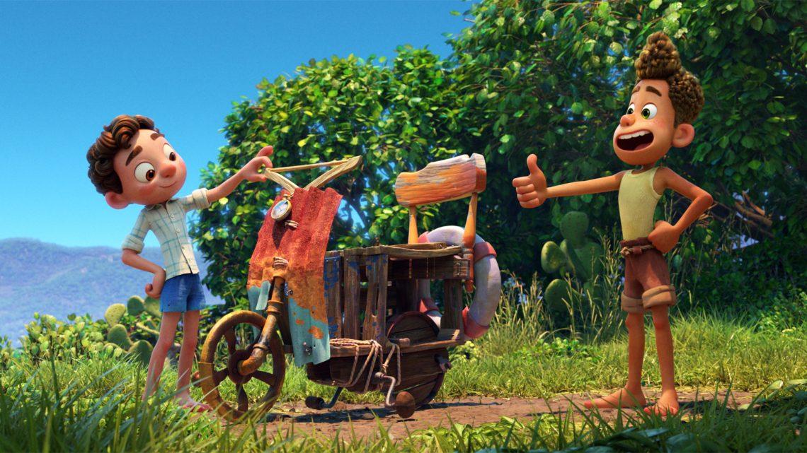Luca recenzia: Pixar mieri na menšieho diváka v slnečnom príbehu o priateľstve